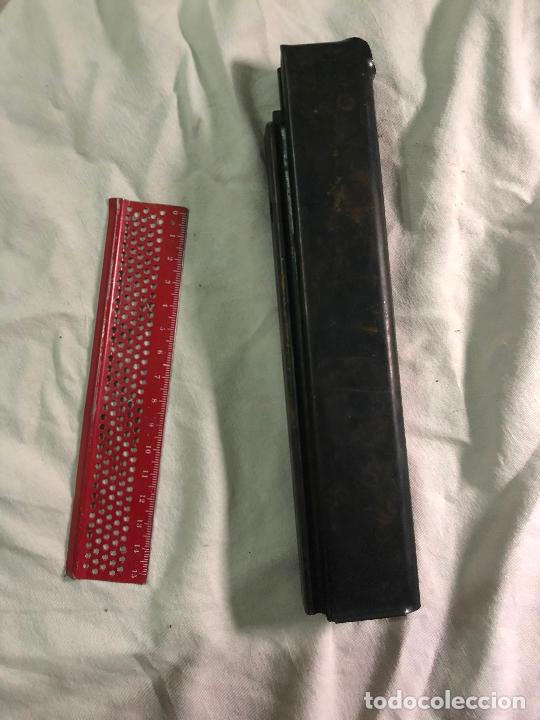 Militaria: Antiguo cargador a identificar - Foto 3 - 226906055