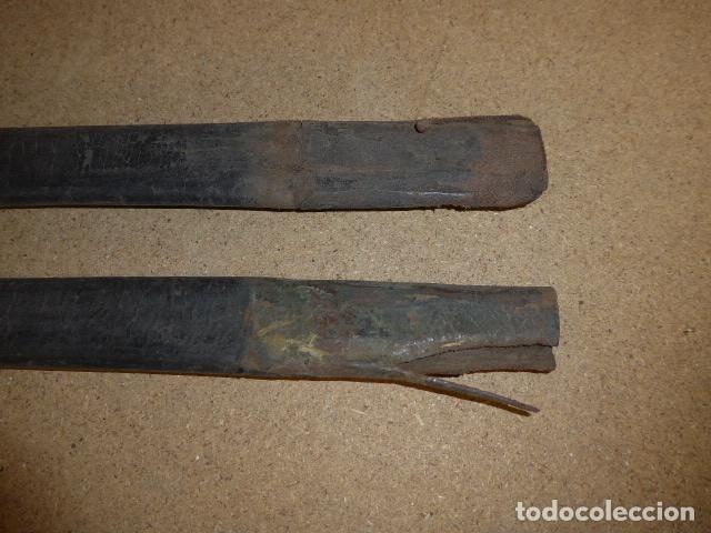 Militaria: Lote 2 antigua funda de cuero de espada española, original. - Foto 3 - 239597850