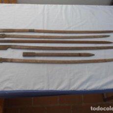 Militaria: * ANTIGUAS MATRICES DE MADERA DE FABRICA CASTELLS PARA HACER LAS FUNDA DE CUERO DE ESPADAS. ZX. Lote 295488213