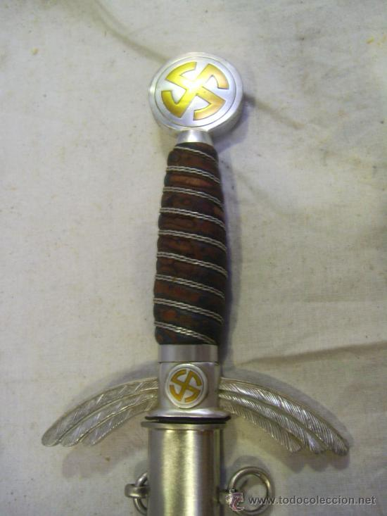 ALEMANIA. III REICH. ESPADA ALEMANA DE OFICIAL DE LA LUFTWAFE. (Militar - Armas Blancas Originales Fabricadas entre 1851 y 1945)