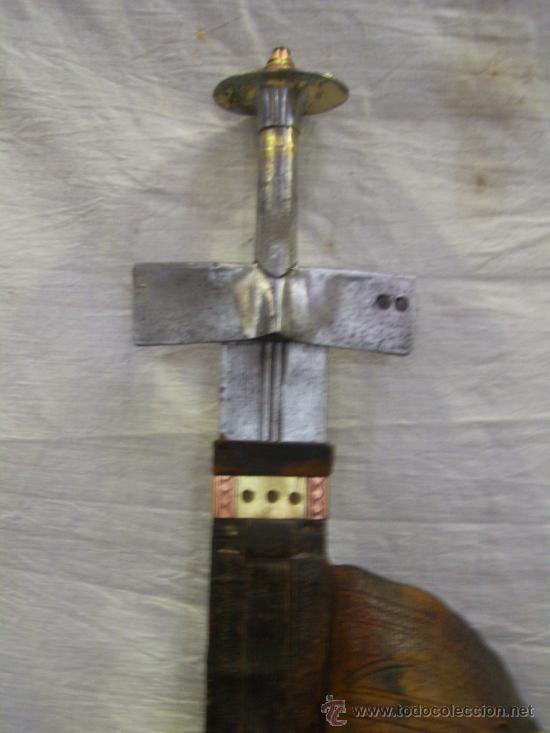 Militaria: Espada sable Africana. TAKOUBA arma tipica de los Tuaregs, nomadas del desierto Sahariano. - Foto 3 - 27365111