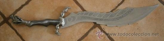 ESPADA FANTÁSTICA DE 74CM APROX. (Militar - Armas Blancas, Reproducciones y Piezas Decorativas)