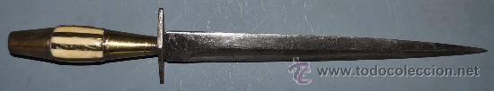 CUCHILLO ALBACETEÑO EN EMPUÑADURA DE HUESO Y BRONCE (Militar - Armas Blancas Originales de Fabricación Anterior a 1850)