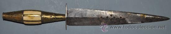 CUCHILLO ALBACETEÑO. ALBACETE. DAGA. CON MANGO HUESO Y LATÓN. GRABADOS EN HOJA. 29 CM. LONGITUD (Militar - Armas Blancas Originales de Fabricación Anterior a 1850)