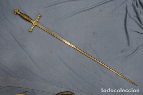 Militaria: Espadín o Espada de Ceñir de Oficial de Caballería. Modelo 1887. Hoja marcada Toledo. - Foto 2 - 80735506