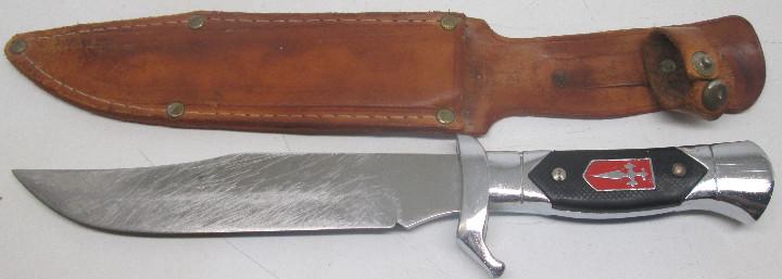 CUCHILLO DEPORTIVO, CAZA, MONTE, CRUZ DE SANTIAGO, CON FUNDA (Militar - Armas Blancas Originales de Fabricación Posterior a 1945)