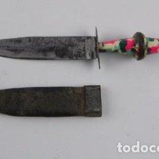 Militaria: PEQUEÑO CUCHILLO DE ALBACETE, MINIATURA, ORIGINAL CON PRECIOSO EMPUÑADURA Y CON SU FUNDA ORIGINAL, M. Lote 104675215