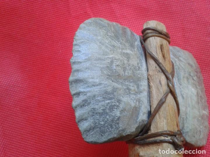 Militaria: Hacha - Pieza Única - Madera tallada, piedra tallada con asta de ciervo - Descripción y Fotos - Foto 4 - 110443423
