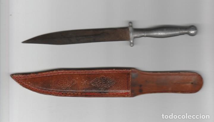 ANTIGUO PUÑAL CON FUNDA (Militar - Armas Blancas Originales Fabricadas entre 1851 y 1945)