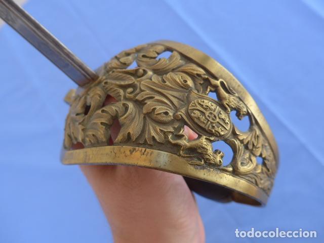 Militaria: * Antigua espada sable de oficial de caballeria de Amadeo I (hoja 1871), modelo 1840. Original. ZX - Foto 3 - 121317699