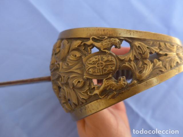 Militaria: * Antigua espada sable de oficial de caballeria de Amadeo I (hoja 1871), modelo 1840. Original. ZX - Foto 4 - 121317699
