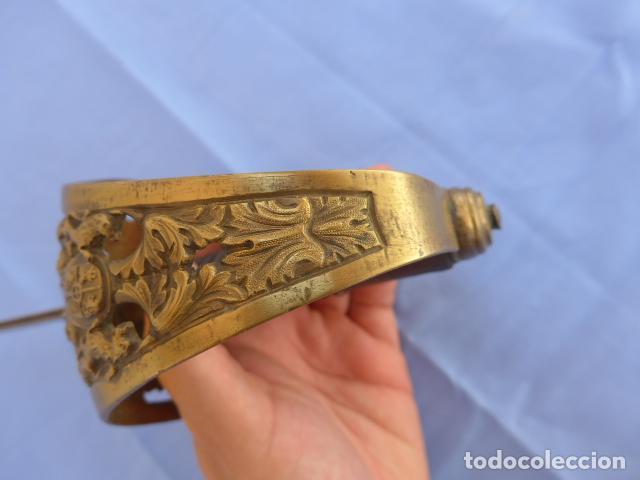 Militaria: * Antigua espada sable de oficial de caballeria de Amadeo I (hoja 1871), modelo 1840. Original. ZX - Foto 5 - 121317699