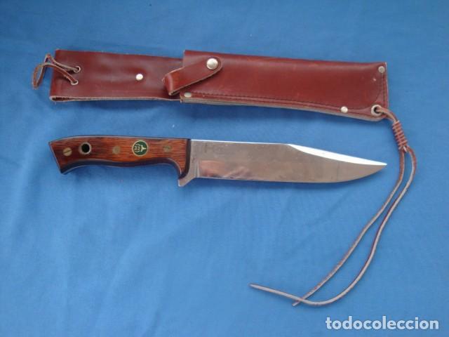 CUCHILLO DE CAZA MARCA MUELA TIPO BOWIE (Militar - Armas Blancas Originales de Fabricación Posterior a 1945)