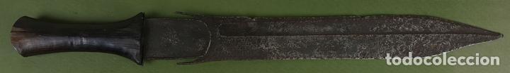 ESPADA TRIBAL AFRICANA. ÉTNIA FANG. CAMERÚN. ÁFRICA. SIGLO XIX. (Militar - Armas Blancas Originales Fabricadas entre 1851 y 1945)