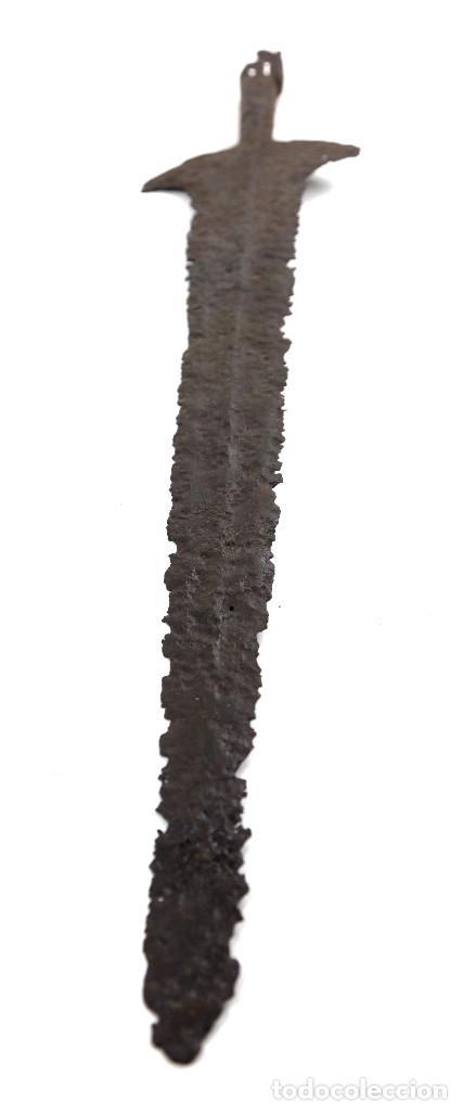 Militaria: alabarda siglo XVI. 70 CM. DE LARGO. PROCEDENTE DE LA COLECCIÓN ESTRUCH. - Foto 9 - 140841962