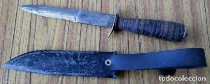 Militaria: Cuchillo de caza hoja doble filo Mango redondelas de cuero (con años) La funda no es suya - Foto 2 - 144275802