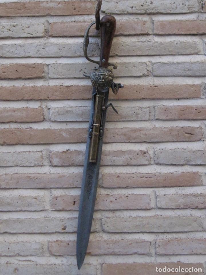 REPRODUCCION DE ESPADA / PISTOLA EN ACERO Y BRONCE. (Militar - Armas Blancas, Reproducciones y Piezas Decorativas)