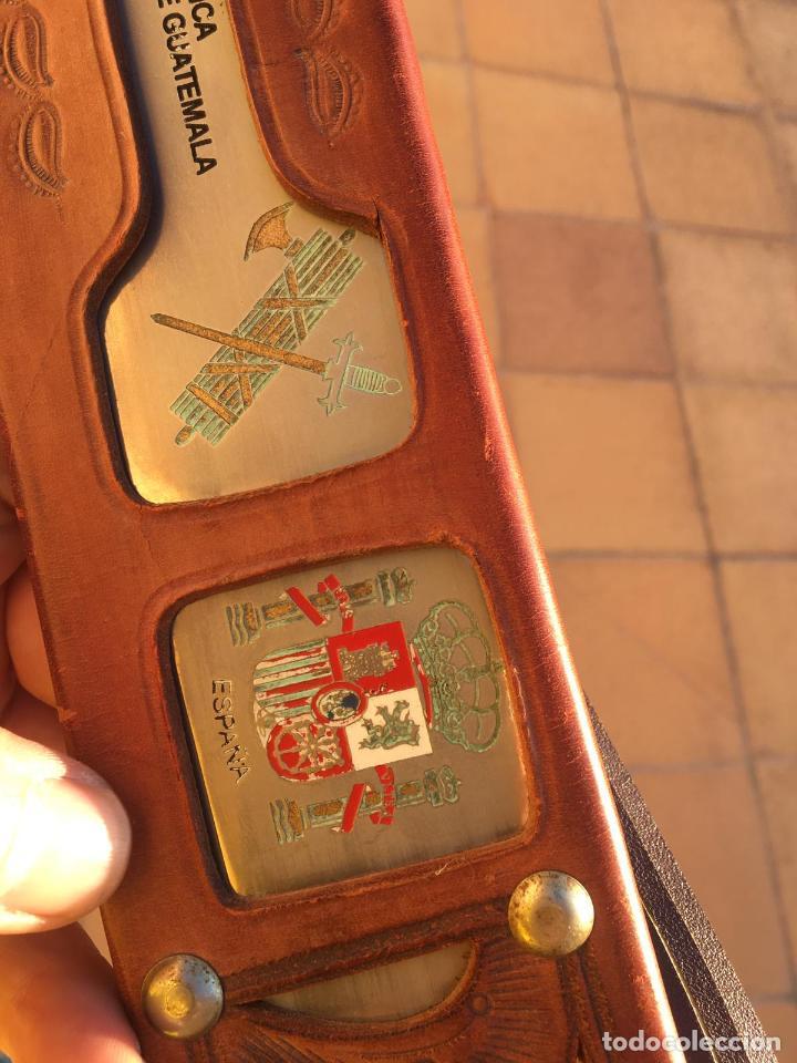 Militaria: Rarisimo machete grabado para oficial de la guardia civil por su ayuda en Guatemala, original. - Foto 2 - 151235750