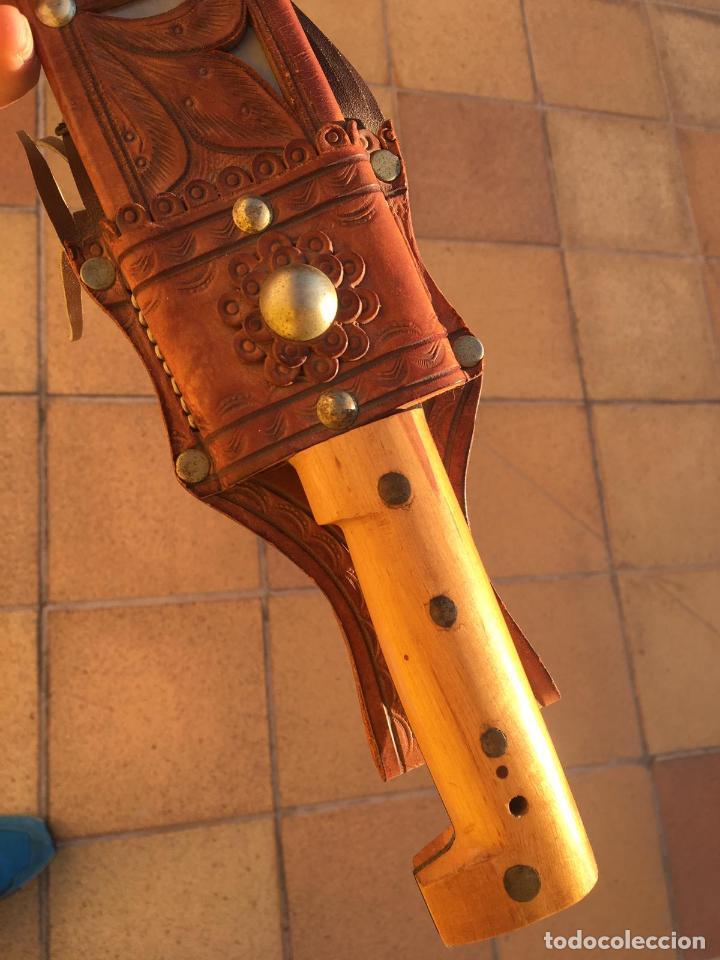 Militaria: Rarisimo machete grabado para oficial de la guardia civil por su ayuda en Guatemala, original. - Foto 6 - 151235750