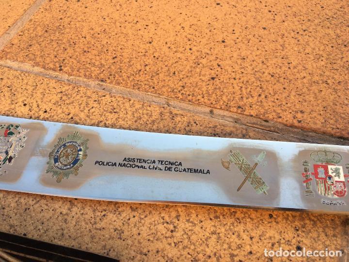 Militaria: Rarisimo machete grabado para oficial de la guardia civil por su ayuda en Guatemala, original. - Foto 8 - 151235750