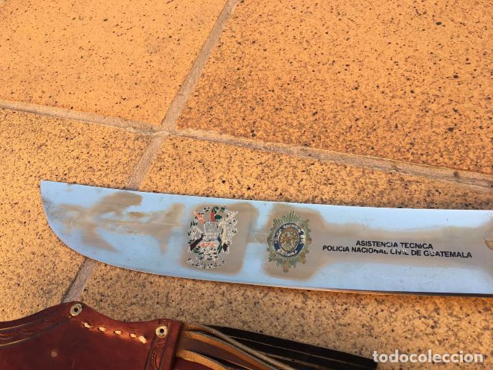 Militaria: Rarisimo machete grabado para oficial de la guardia civil por su ayuda en Guatemala, original. - Foto 10 - 151235750