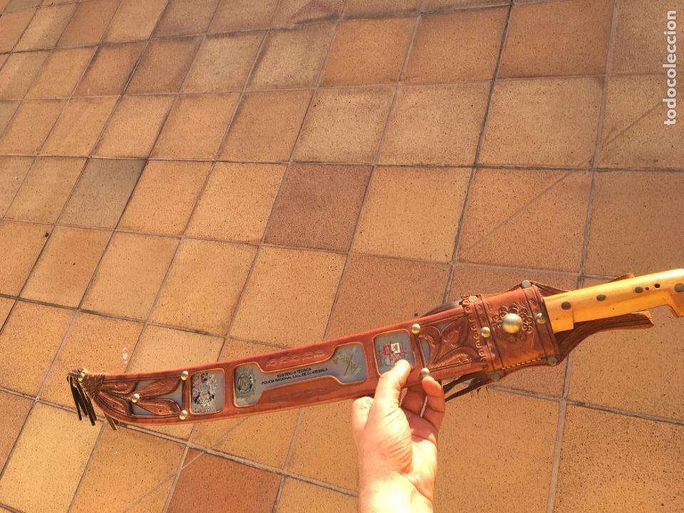 Militaria: Rarisimo machete grabado para oficial de la guardia civil por su ayuda en Guatemala, original. - Foto 21 - 151235750