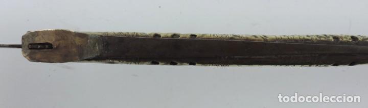 Militaria: Grandisima Navaja de Santa Cruz de Mudela, hacia 1870. Mango de madera totalmente cubierto en latón - Foto 13 - 155737470