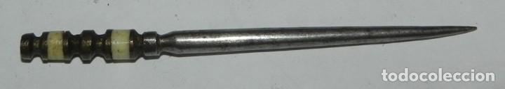 PUNZÓN DE ALBACETE SIGLO XIX, MINIATURA, CON LAS CACHAS DE HUESO, MIDE 7,5 CMS. DE LONGITUD, PRECIOS (Militar - Armas Blancas Originales de Fabricación Anterior a 1850)