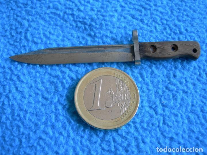 CUCHILLO BAYONETA MINIATURA RÉPLICA FIDELIGNA (Militar - Armas Blancas Originales de Fabricación Posterior a 1945)