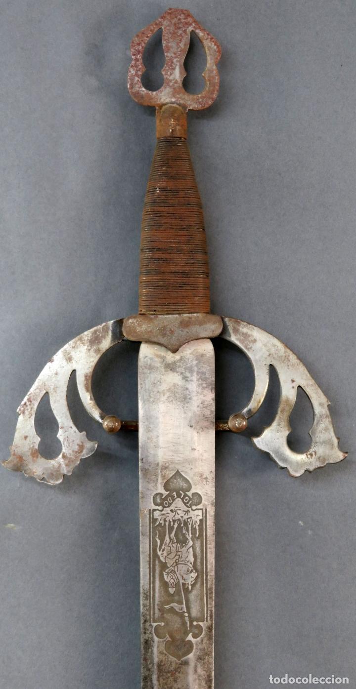 Militaria: Espada reproducción de la Tizona de El Cid Campeador en hierro años 60 - Foto 2 - 168076804