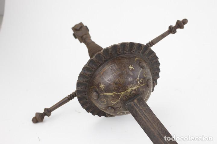 ANTIGUA ESPADA 112 CM DE LARGO TOTAL. TAMAÑO EMPUÑADURA: 31X27CM. (Militar - Armas Blancas Originales de Fabricación Anterior a 1850)