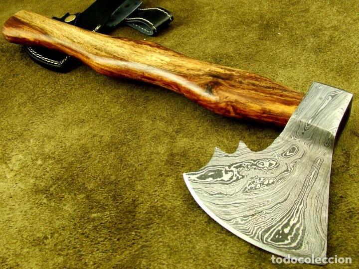 Militaria: hacha en acero de damasco artesanal. 40,25cm largo, mango madera de rosal - Foto 4 - 170321868