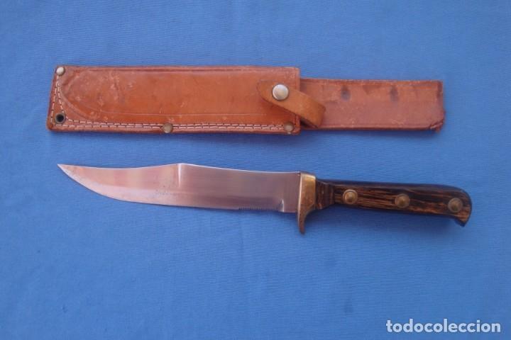 CUCHILLO DE CAZA Y MONTE TIPO BOWIE (Militar - Armas Blancas Originales de Fabricación Posterior a 1945)