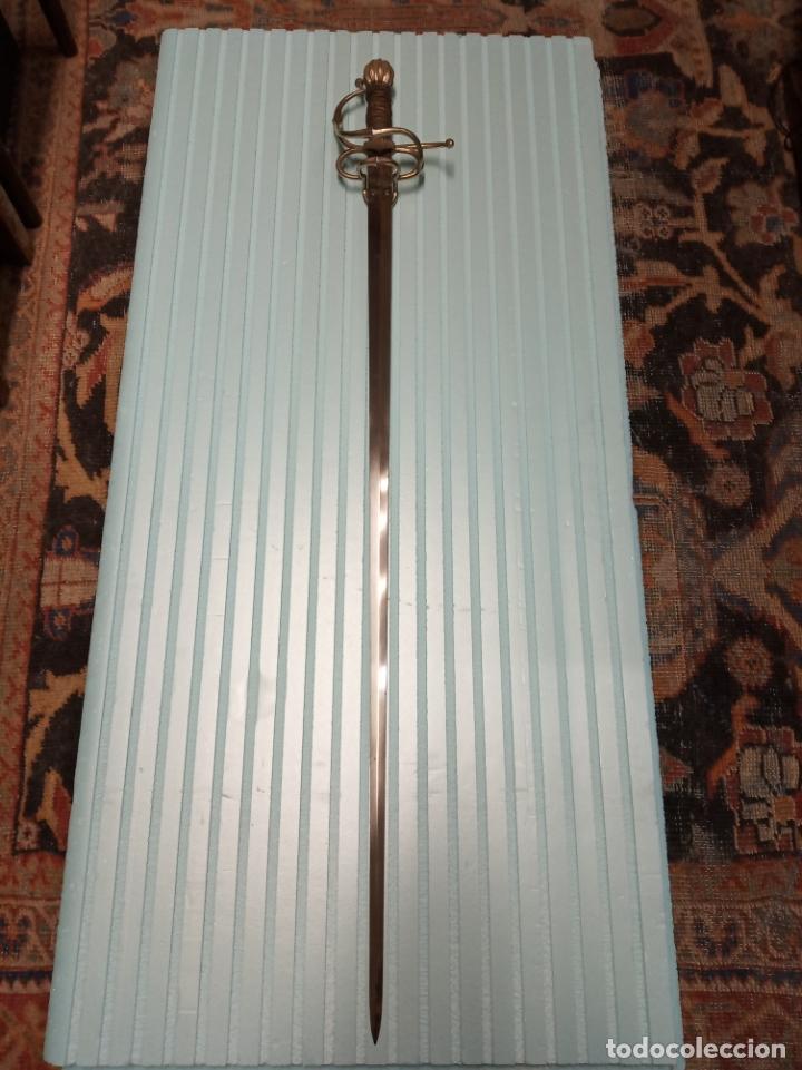 Militaria: Bellísima espada de Hernán Cortés. Fábrica nacional de Toledo. Ideal para exposición. 114 cm. - Foto 10 - 177708070