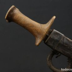 Militaria: ANTIGUA DAGA O CUCHILLO AFRICANO MANGO DE MADERA AFRICA SIGLO XIX. Lote 187207262