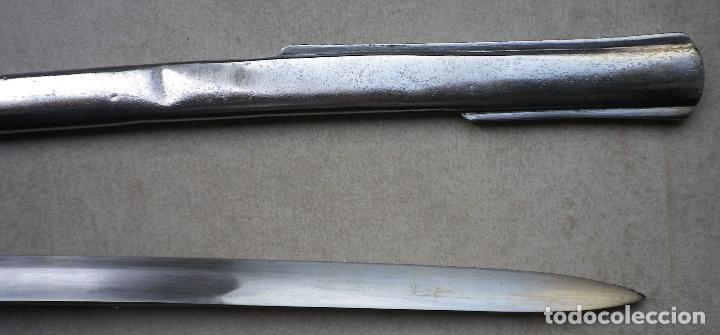Militaria: Sable ROBERT modelo 1895 para Institutos Montados, grabado para oficial de Infantería. - Foto 15 - 187320115