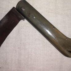 Militaria: ANTIGUA NAVAJA ALBACETEÑA PARECE DE PODAR CON CACHAS DE CUERNO FABRICANTE LÓPEZ. Lote 188597081