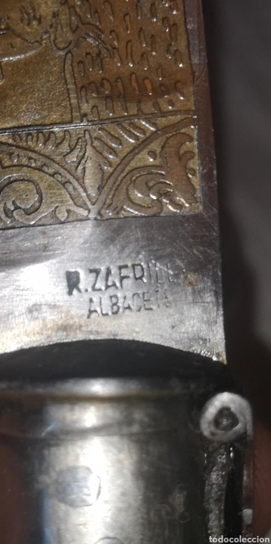Militaria: Antigua navaja albaceteña firmada Zafrilla de pata de ciervo hoja damasquinada en oro - Foto 9 - 188711958