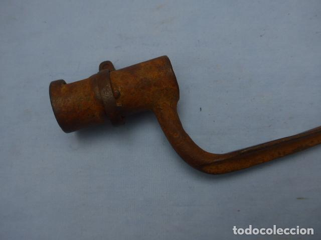 Militaria: * Antigua bayoneta de cubo con marcajes, guerra carlista de siglo XIX, original. ZX - Foto 2 - 193863020