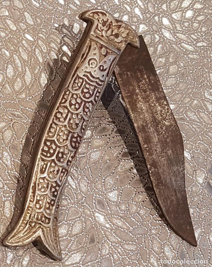 RARA NAVAJA 2 CON SISTEMA DE BLOQUEO (Militar - Armas Blancas Originales Fabricadas entre 1851 y 1945)