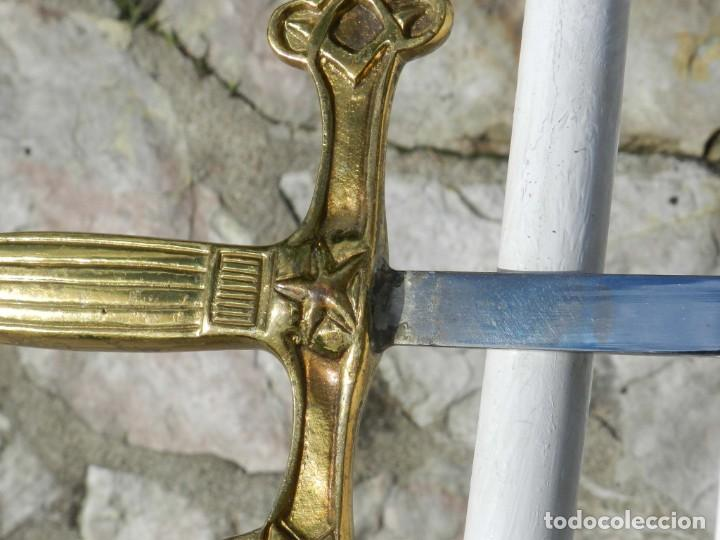 Militaria: Espadín o Espada de Ceñir de Oficial. Modelo 1887. No tiene marca en la hoja. Guarnición Isabelina d - Foto 6 - 205567691