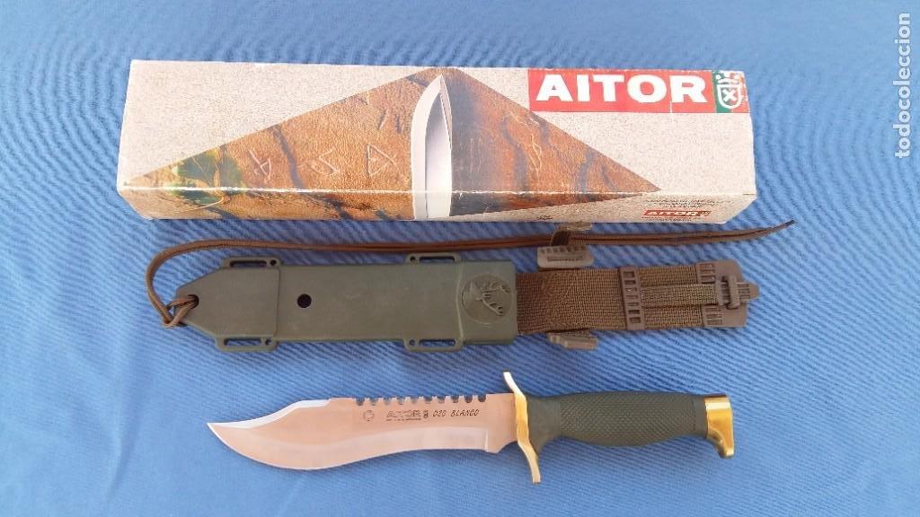 CUCHILLO AITOR MODELO OSO BLANCO - MODELO ANTIGUO- (Militar - Armas Blancas Originales de Fabricación Posterior a 1945)