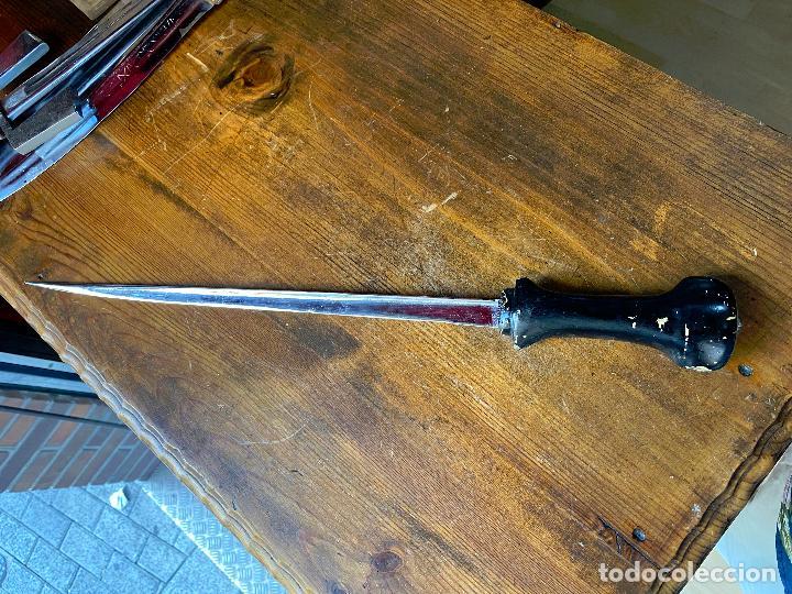 ESPADA O DAGA CROMADA - 51 CM DE LARGO (Militar - Armas Blancas Originales de Fabricación Posterior a 1945)