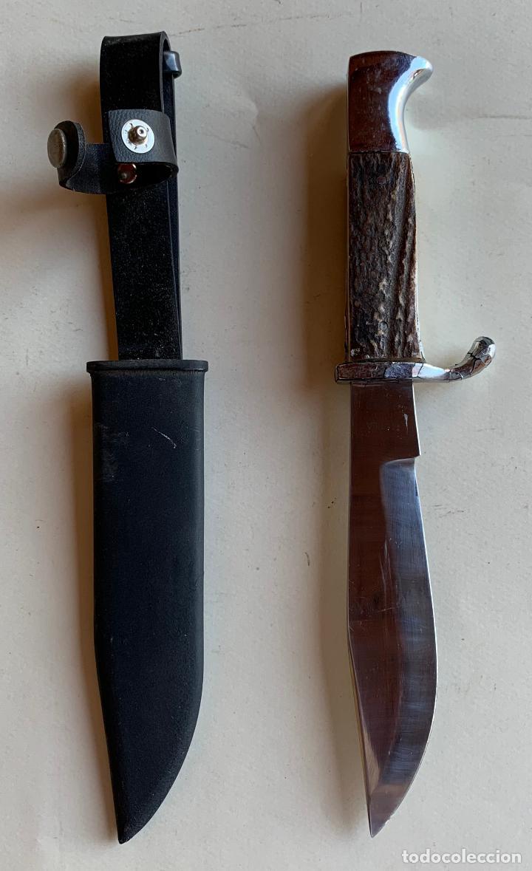 MACHETE MARCA MUELA . INOX . FUNDA METALICA . CACHAS DE ASTA . (Militar - Armas Blancas Originales de Fabricación Posterior a 1945)