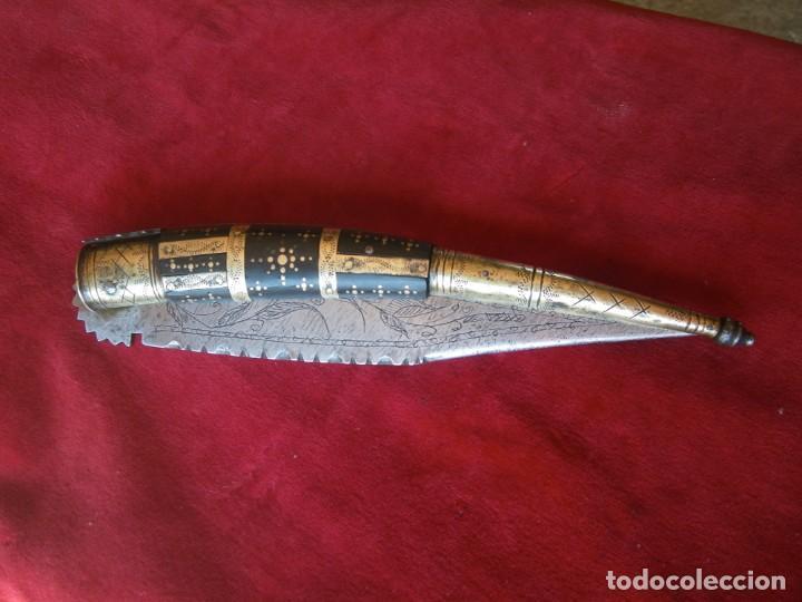 UNA MARAVILLA DE NAVAJA EN ASTA TODA GRABADA POR AMBOS LADOS ETC, VER (Militar - Armas Blancas Originales Fabricadas entre 1851 y 1945)