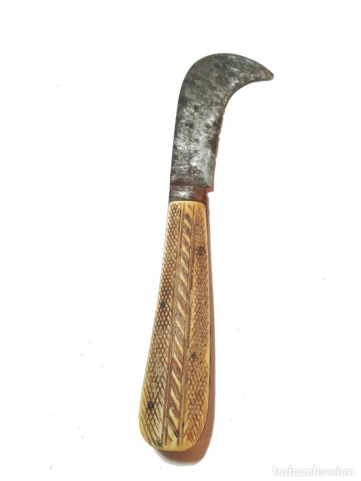 Militaria: Bella navaja curva con cachas de hueso grabado. Marca Würxth. Alemania. Siglo XIX. - Foto 3 - 219367410
