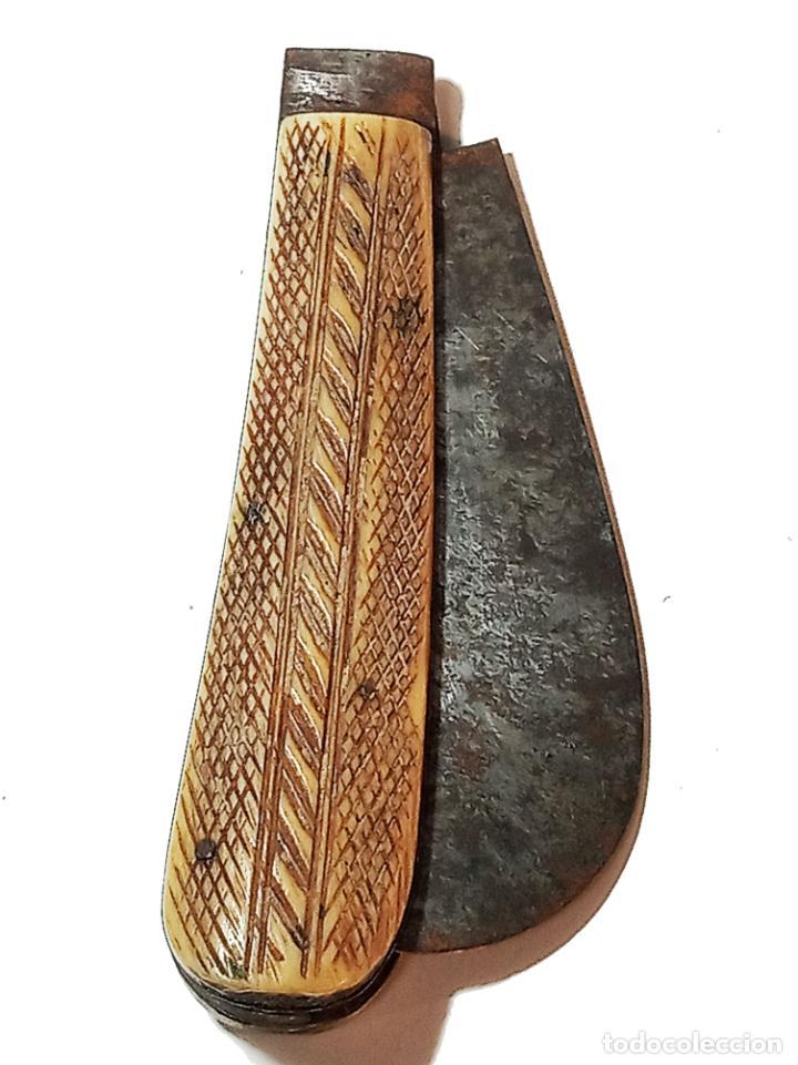 Militaria: Bella navaja curva con cachas de hueso grabado. Marca Würxth. Alemania. Siglo XIX. - Foto 7 - 219367410