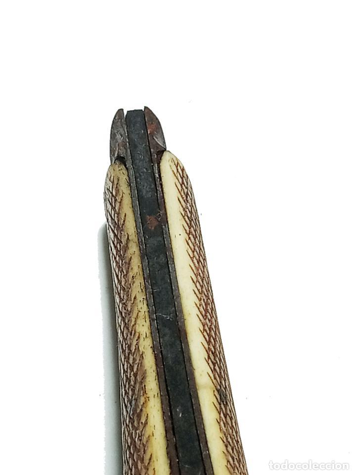 Militaria: Bella navaja curva con cachas de hueso grabado. Marca Würxth. Alemania. Siglo XIX. - Foto 9 - 219367410