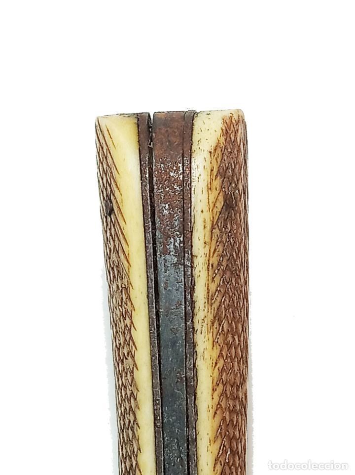 Militaria: Bella navaja curva con cachas de hueso grabado. Marca Würxth. Alemania. Siglo XIX. - Foto 10 - 219367410