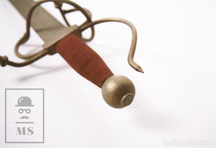 Militaria: Espada Decorativa - Réplica de Espada Colada del Cid - Toledo - Longitud 101 cm - Años 70-80 - Foto 13 - 223932711